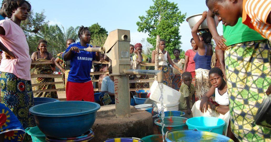 Brunnen in Nimba County, Liberia_©CARE/Anders Nordstoga