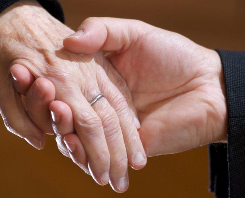 Haltende Hände I,_©Maik Maid CC BY-ND 2.0