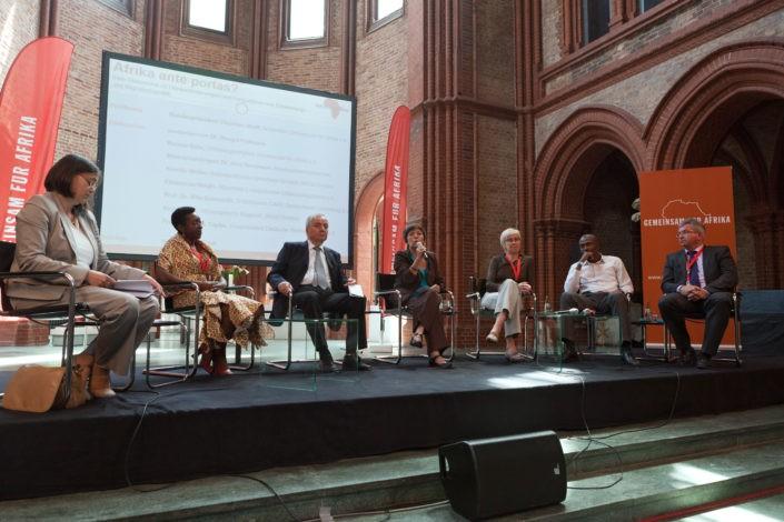 Afrika ante Portas? Diskussionsveranstaltung zu Entwicklungs- und Migrationspolitik._©GEMEINSAM FÜR AFRIKA