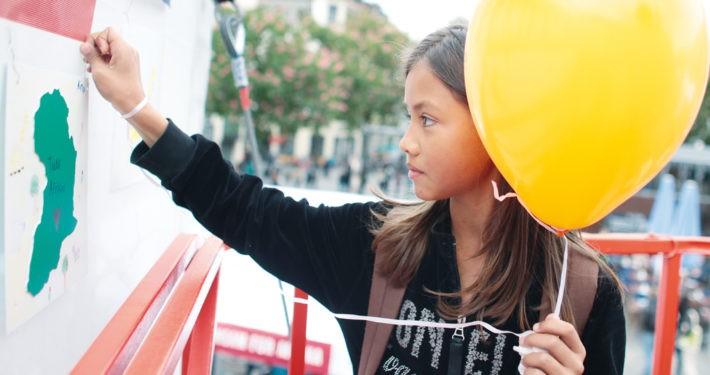 Unsere Straßenaktion 2013 zum 1. Deutschen Entwicklungstag._©GEMEINSAM FÜR AFRIKA/Trappe