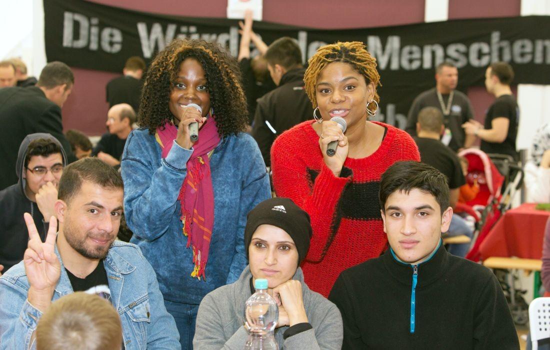 Gemeinsam für Afrika Adventskonzert für Flüchtlinge am 14. Dezember 2015 in der Notunterkunft der Berliner Stadtmission Kruppstr. 16, 10557 Berlin. MODEL RELEASE: NO
