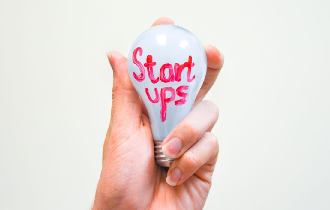 startups-1354643_1920