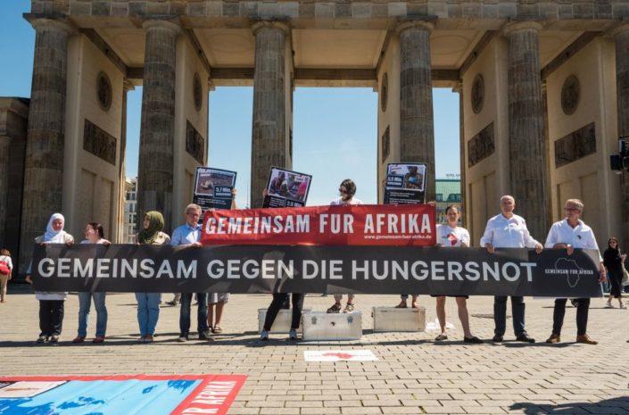 Pressefoto Mahnwache Gemeinsam fuer Afrika