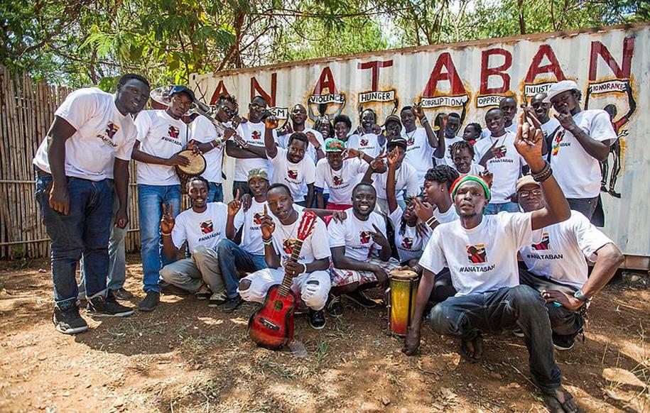 Mitglieder von Ana Taban posieren für ein Foto im September 2016