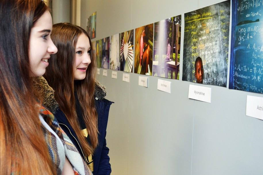"""Fotoausstellung """"Analoge Sichtweisen junger Menschen aus Ruanda und Netphen"""""""