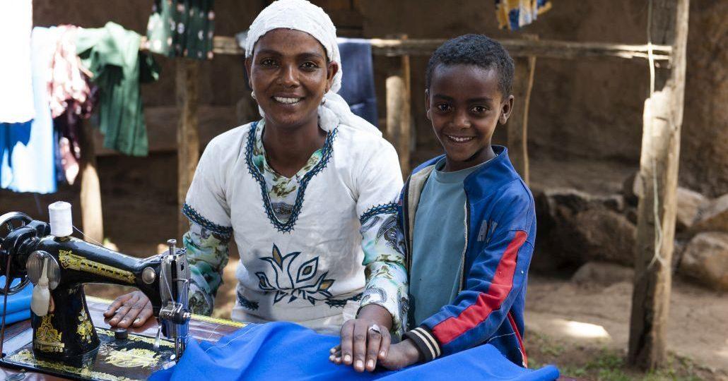 Menschen für Menschen: Ausbildung zur Schneiderin©Menschen für Menschen/GEMEINSAM FÜR AFRIKA/Rainer Kwiotek