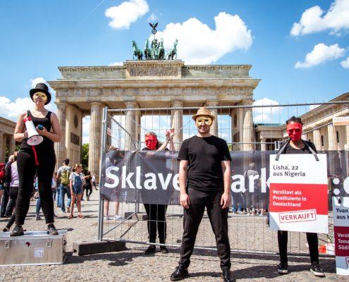 Pressefoto vom Sklavenmarkt in Berlin - Foto3 ©GEMEINSAM FUER AFRIKA/ Steffen Junghanß