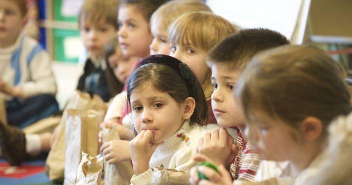 Unsere Mitgliedsorganisation UNO-Flüchtlingshilfe e.V. startet Schulaktion._©US Department of Education | CC BY 2.0