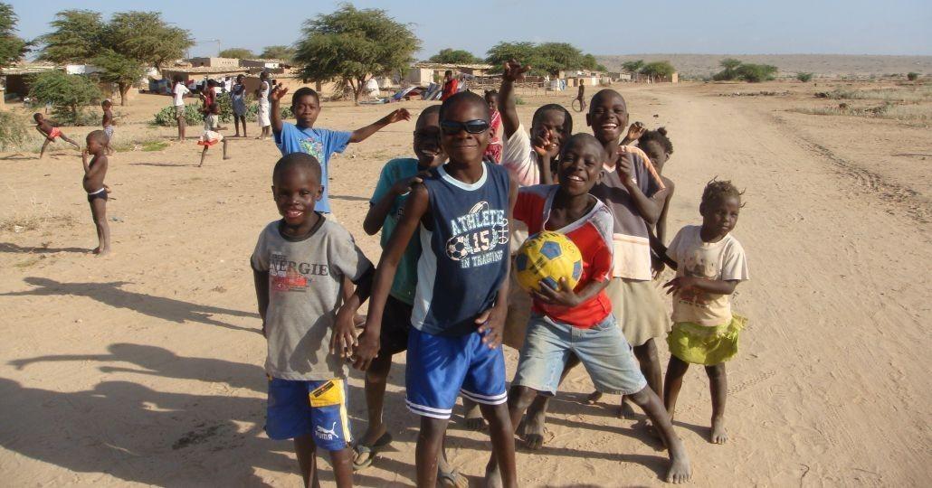 Eine Gruppe Jungs in Angola_©ChildFund