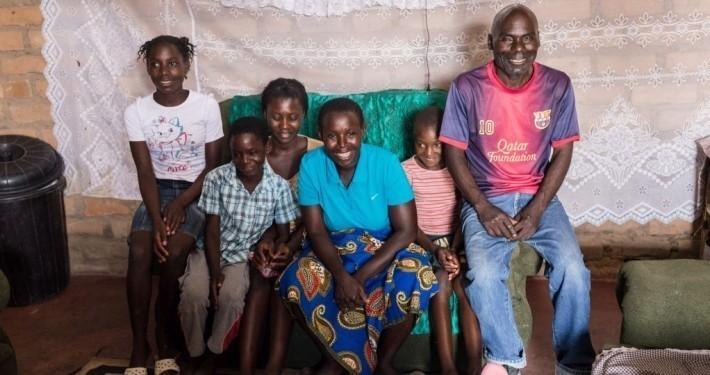 Eine Familie in Sambia_©Gemeinsam für Afrika/Florian Oellers