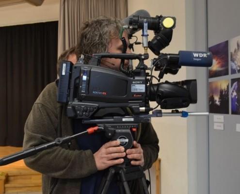 """Auch der WDR berichtete: Schüler*innen der Realchule Netphen machen verschiedene Aktionen zum Thema """"Mach dir ein Bild auf Augenhöhe"""" ©Realschule Netphen"""