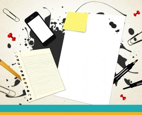 """Symbolbild """"Projektbeschreinung"""": Post-Id, Stift und Handy"""