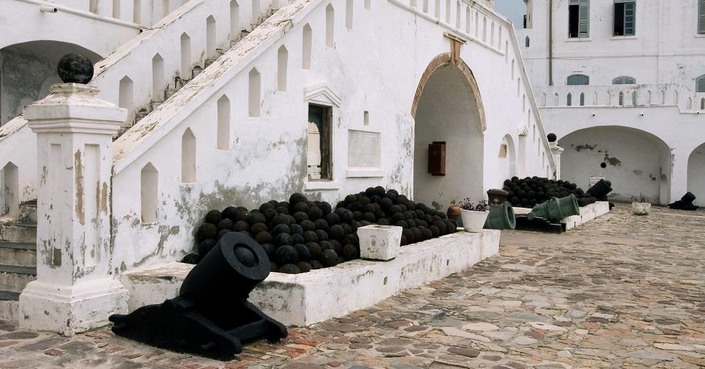 Elmina Castle aus dem 15. Jahrhundert, Erinnerung an die europäische Kolonialherrschaft in Ghana