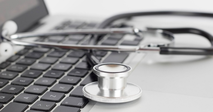 Symbolbild: E-Konsultation von Ärztinnen und Ärzten