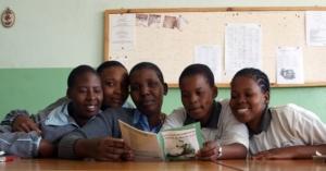 Quiz Sekundarschule - Lesende Schülerinnen
