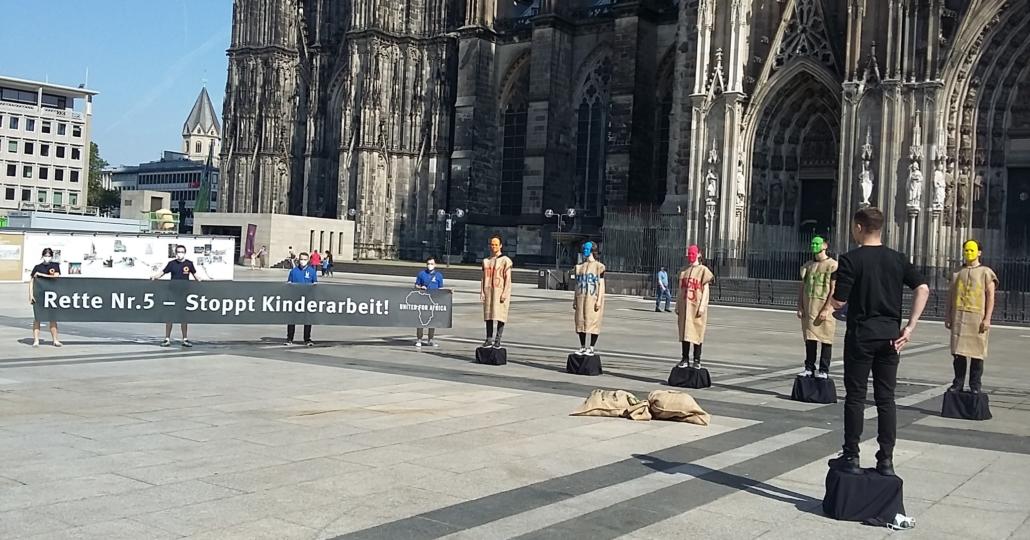 GEMEINSAM FÜR AFRIKA-Aktion gegen Kinderarbeit in Köln_11062021